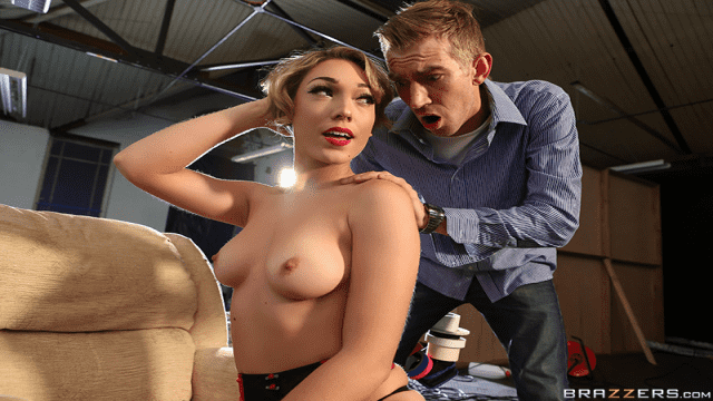 [Brazzers] 12.04.2017 Lily Labeau & Danny D Beauty Girl Porn Set P.A