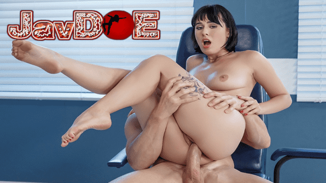 [Brazzers] 20.12.2017 Olive Glass & Johnny Sins Arch Support
