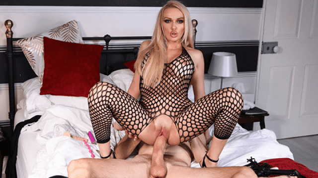 [Brazzers] Amber Jayne The Art Of Decluttering And Orgasming 09.19.2018