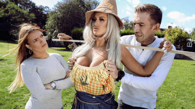 [Brazzers] Brooklyn Blue & Danny D Sex With The Scarecrow 11.05.2018