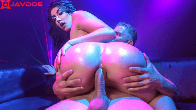 [Brazzers] Mandy Muse & Mick Blue It's Going To Be Lit 07.12.2018