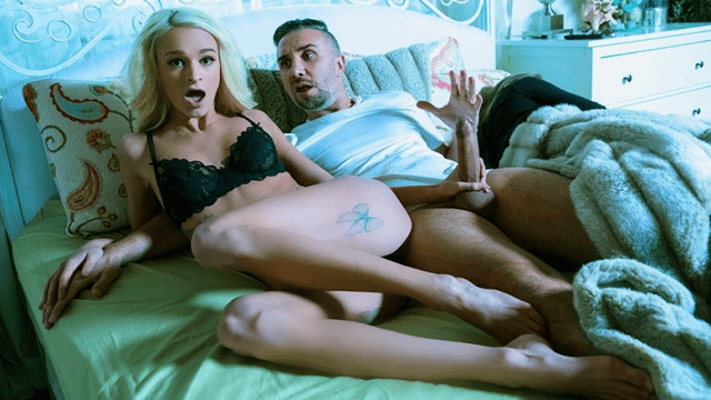 [Brazzers] Slender blonde in the middle of the night seduces her husband's sex
