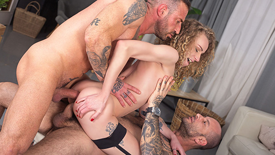 [PenthouseGold 09-22-2021] Pounded In DP Threesome